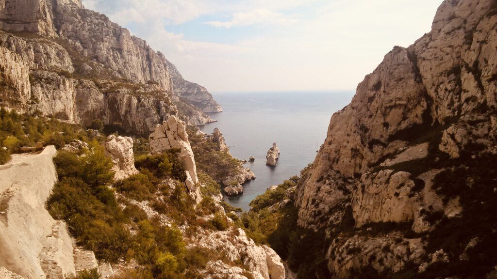 How to enjoy Marseille and chase the summer mood - Calanque de Sugiton