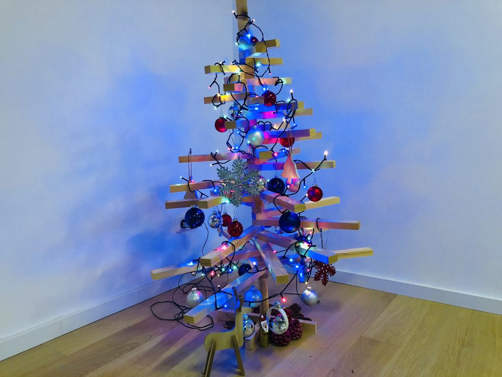 How to make the best of Christmas and enjoy the holiday season - Christmas tree
