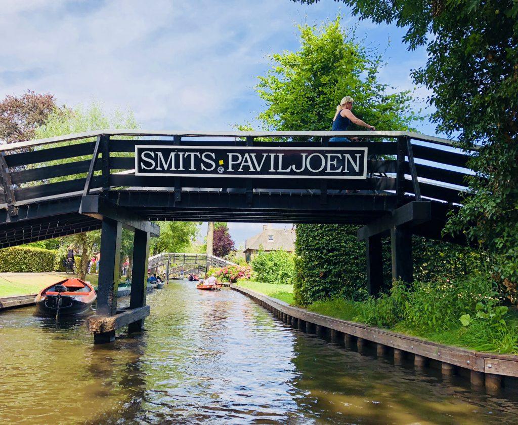 Giethoorn - Dutch Venice canals