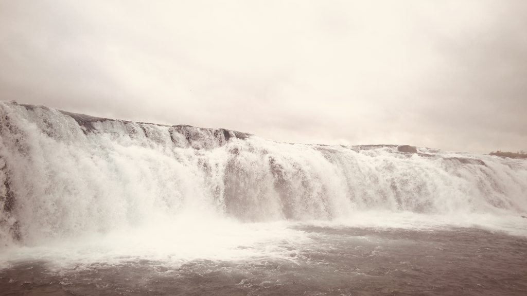 How to plan a 4-days breathtaking itinerary to Iceland - Gullfoss waterfall