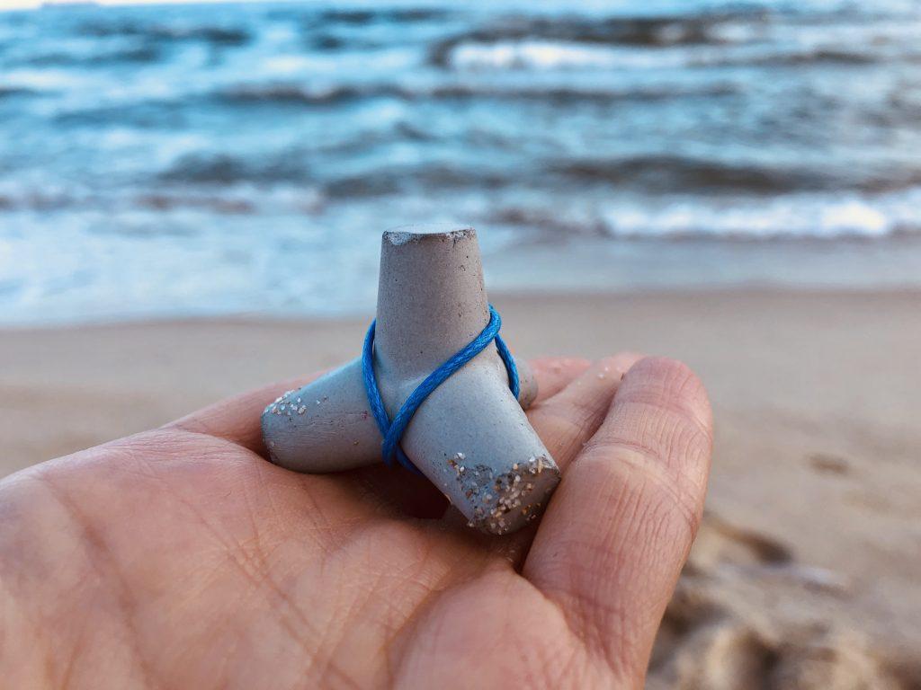 Accessories - Concrete tetrapod made by Five seasons